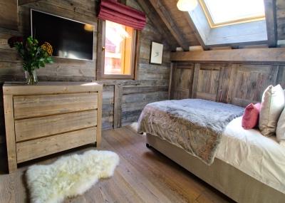 Bedroom-400285