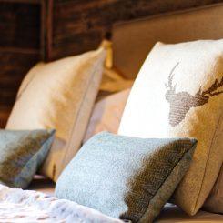 bedroom 1 cushions-2 hd_Fotor
