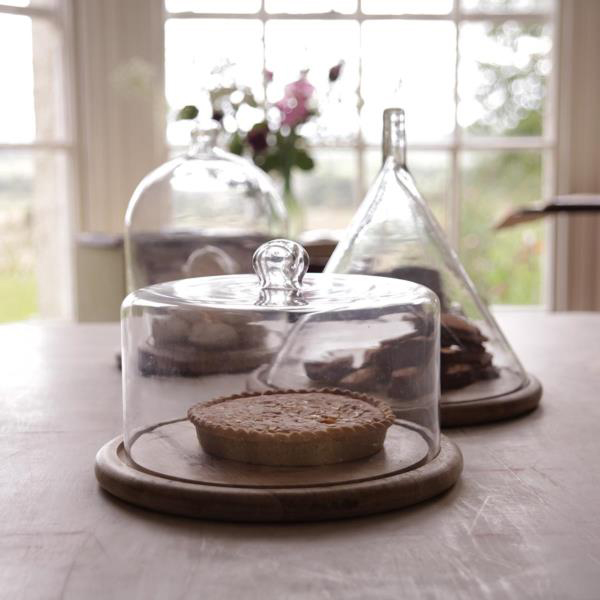 recycled-glass-cake-domes
