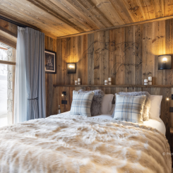 Chalet_Bedroom1
